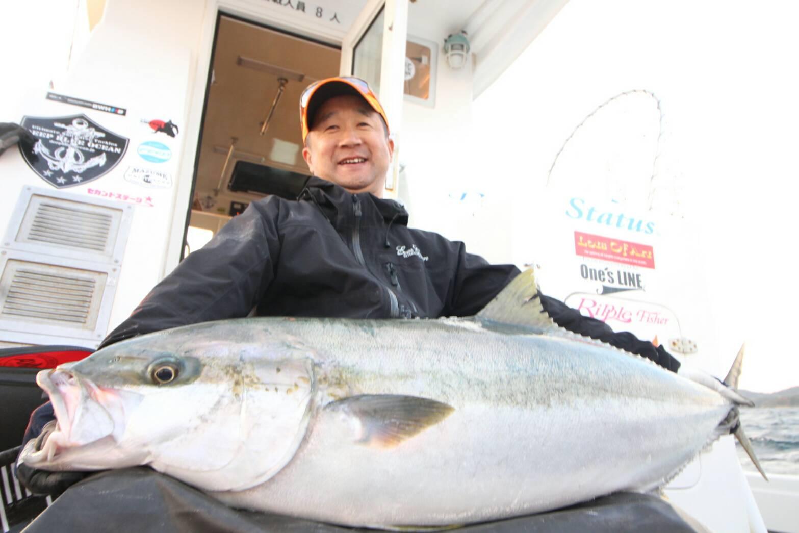 長崎県五島列島にてミタニソンがヒラマサ17kgをキャッチ